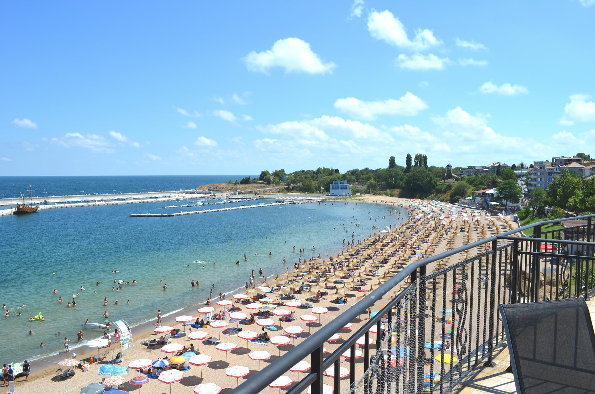 beach of chernomoretz